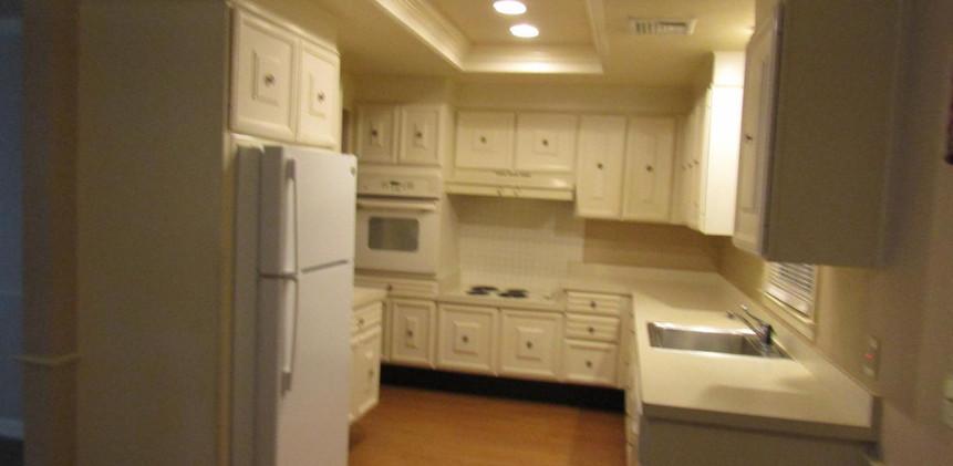 96-B kitchen.jpg