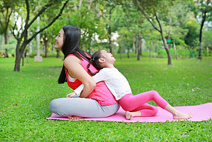 shutterstock_1064372906_family kids yoga