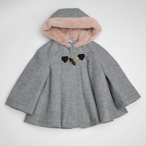Abrigo tipo capa con Capucha