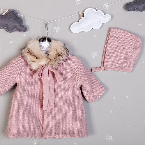 Abrigo de punto doble con cuello peluche y capota