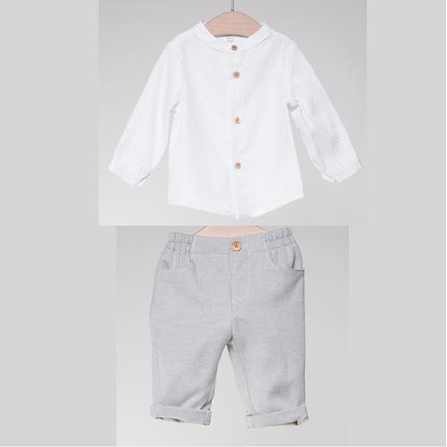 Pantalón Gris y Camisa puntitos