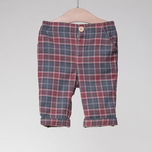 Pantalón de cuadros con camisa