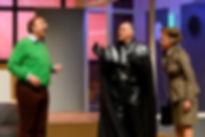 Jon van Eerd, Margo Dames en Arie Cupé verkeeld als Darth Vader in Harrie let op de kleintjes