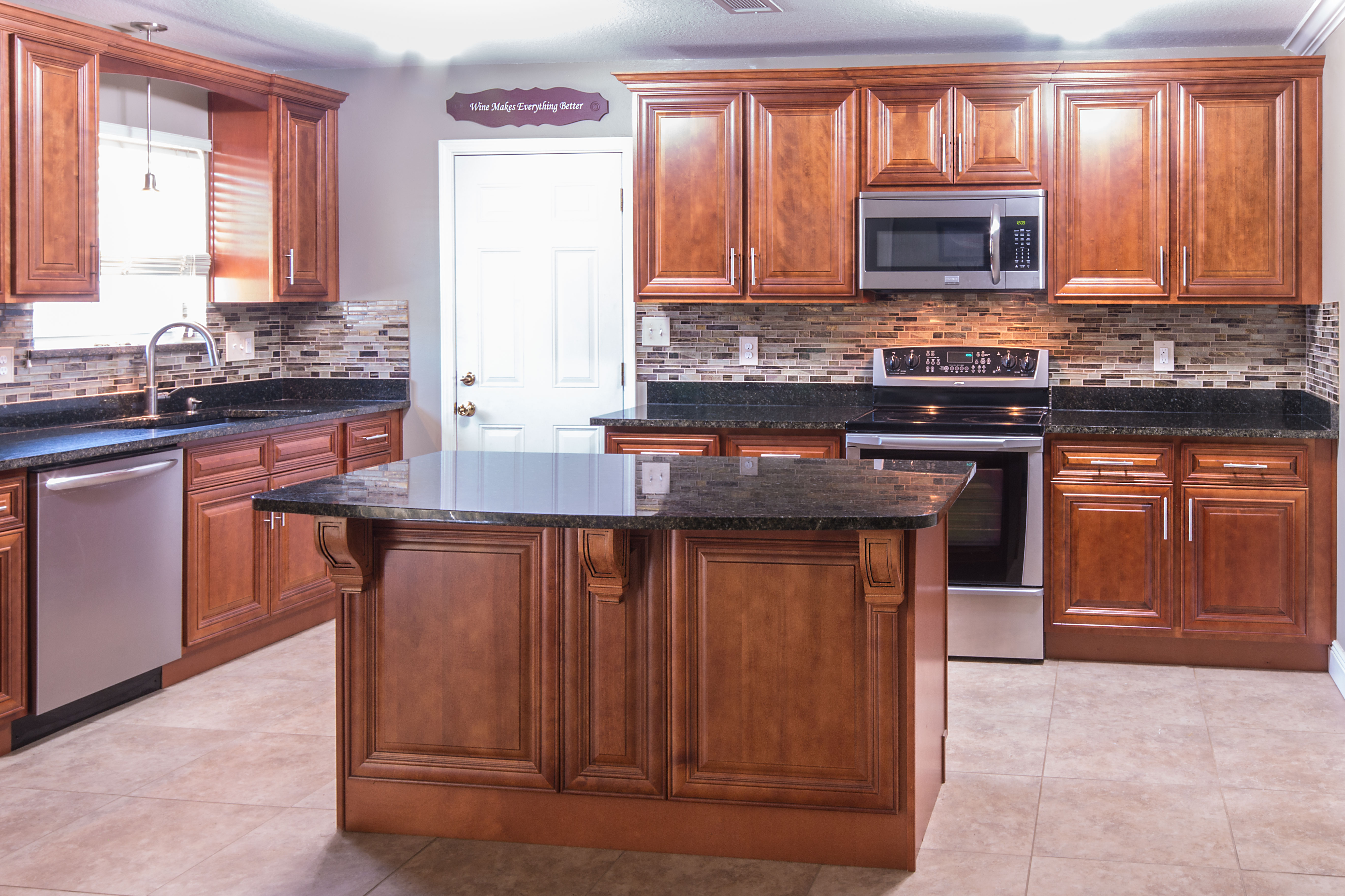 Cherry Cabinets with Ubatuba Granite