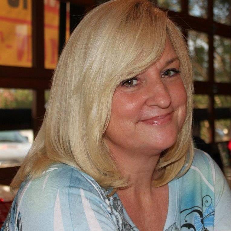 Lisa Holcomb