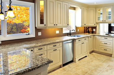 U Shaped Kitchen With Granite Countertops