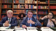 """""""CAGUEI PARA A CPI"""", AFIRMA BOLSONARO SOBRE CARTA DOS SENADORES QUE INVESTIGAM ATUAÇÃO DO GOVERNO"""