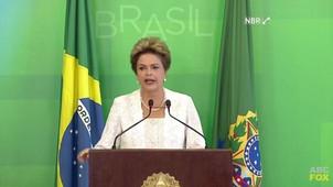 Dilma reduz o próprio salário, corta 3 mil cargos e acaba com 8 ministérios