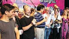 Liderados por Fito Páez, artistas argentinos protestam contra Macri