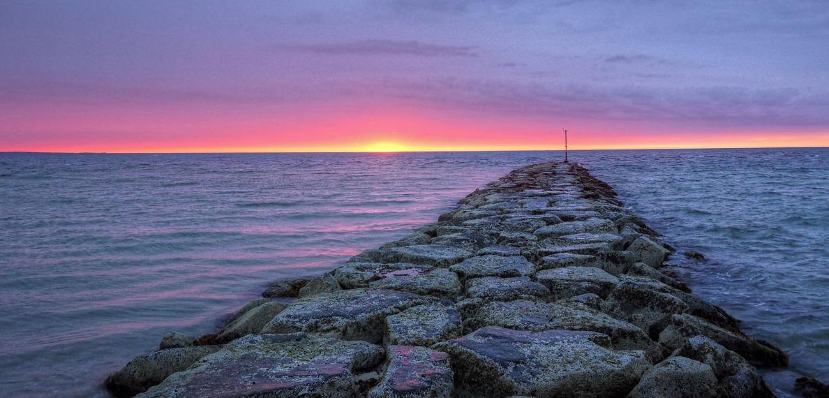 rocky pier.jpg 2015-9-29-18:52:54