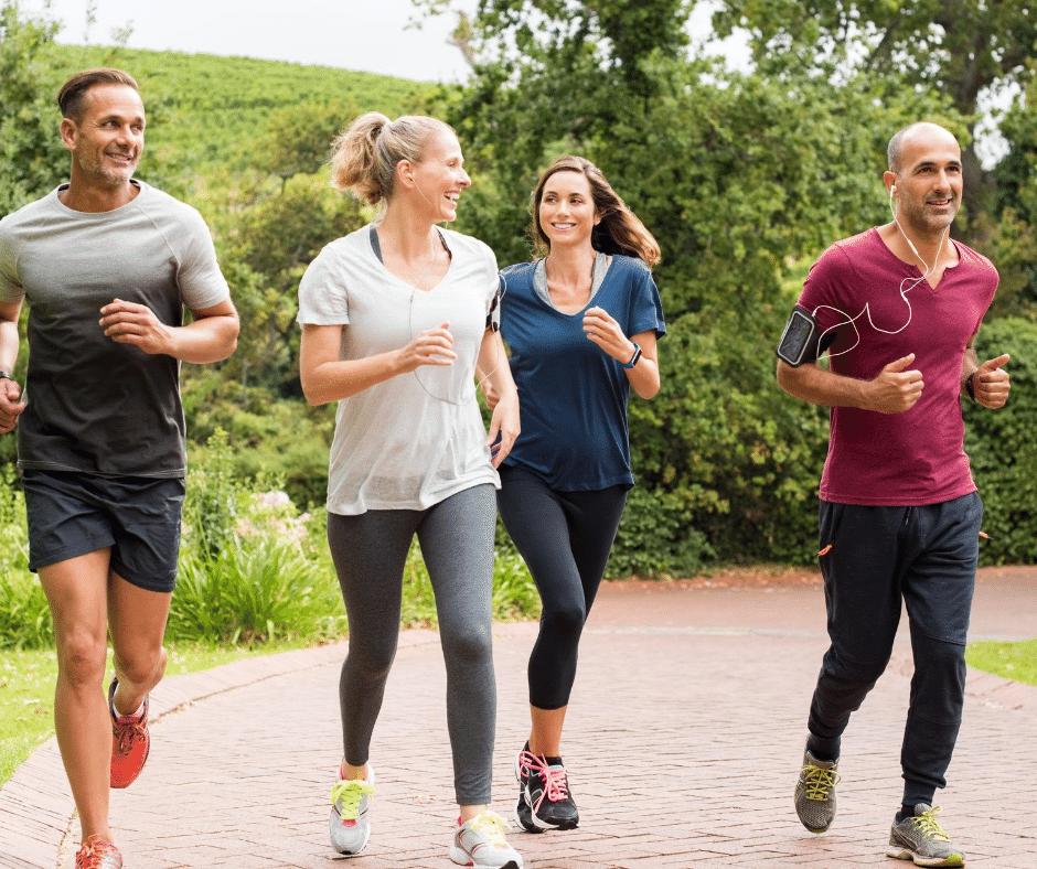 Amis pratiquant du jogging