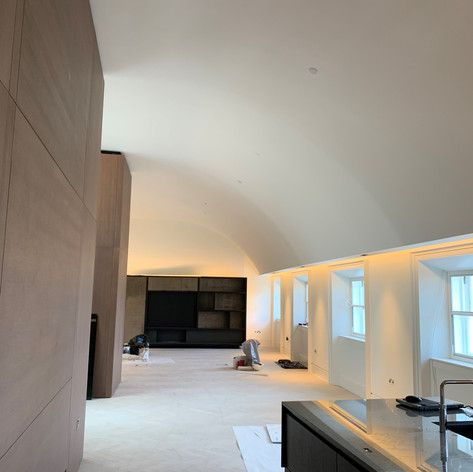 Fully installed curved ceiling on our project in Regents Park for Red Construction.