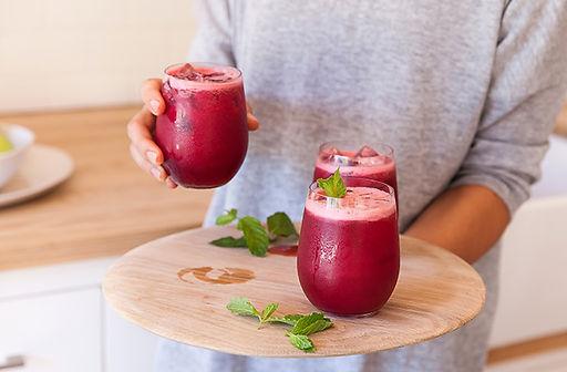 Red-juice-served_efkoua.jpg