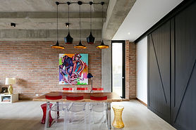 Gorgeous-dining-room-with-Tom-Dixon-ligh