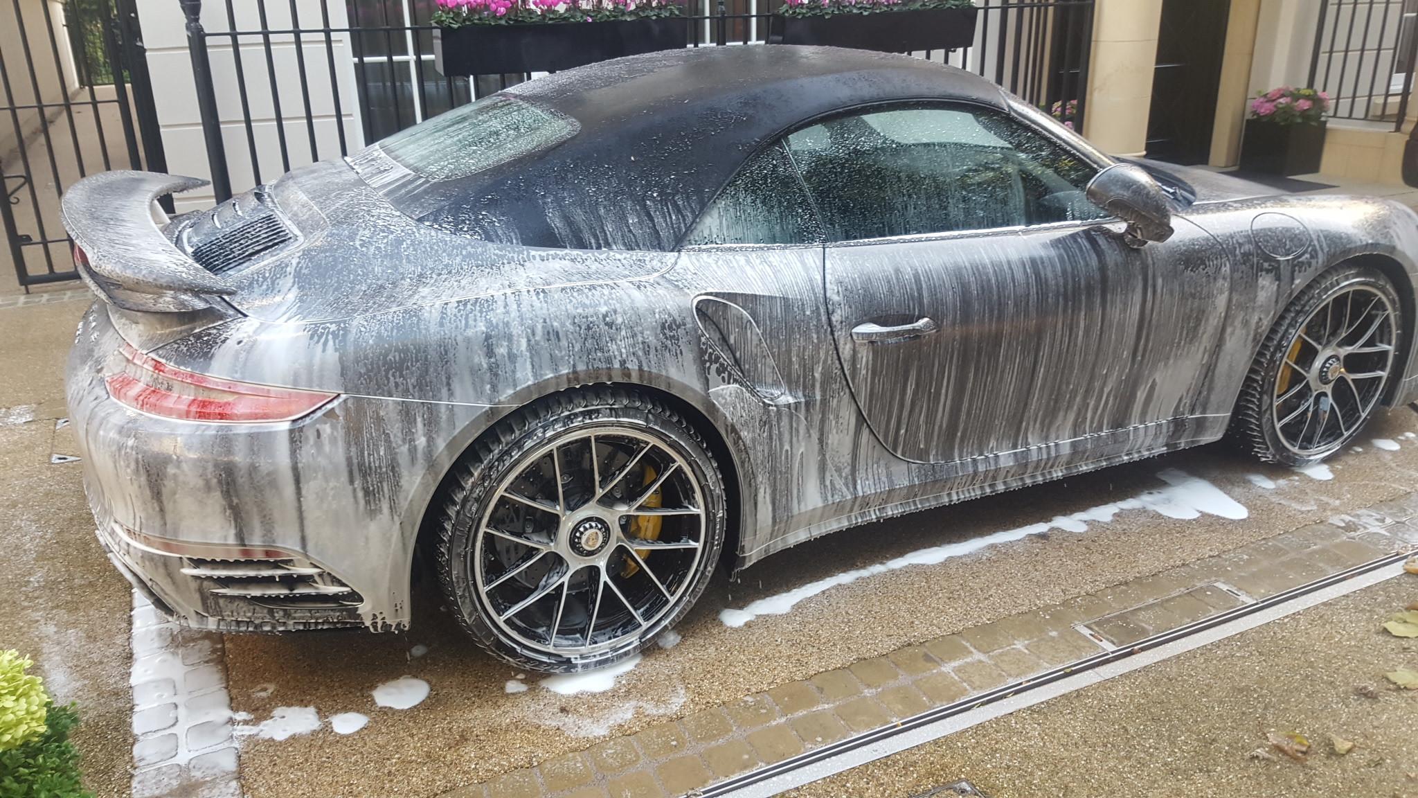 MAINTENANCE WASH CAR