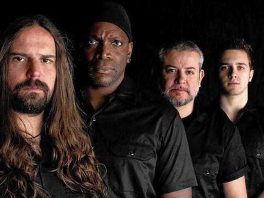 Sepultura apresenta sua última live do ano neste sábado, às 17h