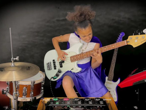 Nandi Bushell toca Led Zeppelin para celebrar o aniversário de Jimmy Page; assista