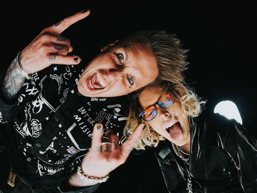 """Papa Roach lança nova versão do clássico """"Last Resort"""" com estrela do Tik Tok; assista"""