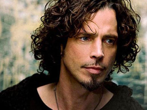 """Família de Chris Cornell compartilha versão inédita de """"Only These Words"""""""