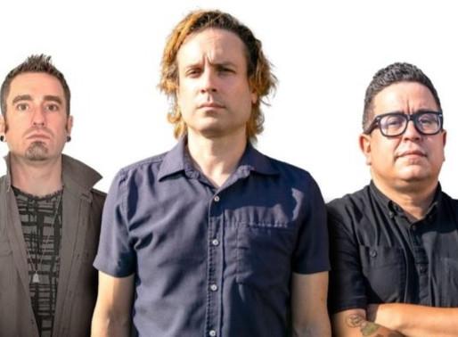 "Roadies do Linkin Park, Guns N'Roses, Slipknot e Fall Out Boy formam uma nova banda: ""Knifes"""