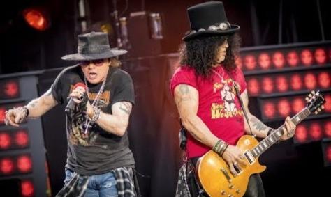 Slash relembra primeiro show de retorno da formação clássica do Guns N' Roses em vídeo; assista