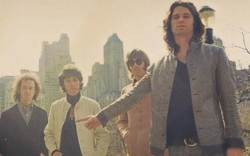 """Versão inédita de """"Roadhouse Blues"""", do The Doors, é disponibilizada no YouTube; ouça"""