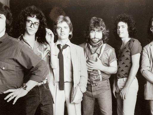 """Há 38 anos, a banda Toto chegava ao primeiro lugar da parada americana com """"Africa"""""""