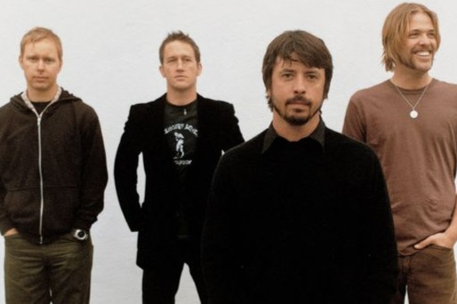 """Há 21 anos, o Foo Fighters lançava o álbum """"There's Nothing Left to Lose"""""""