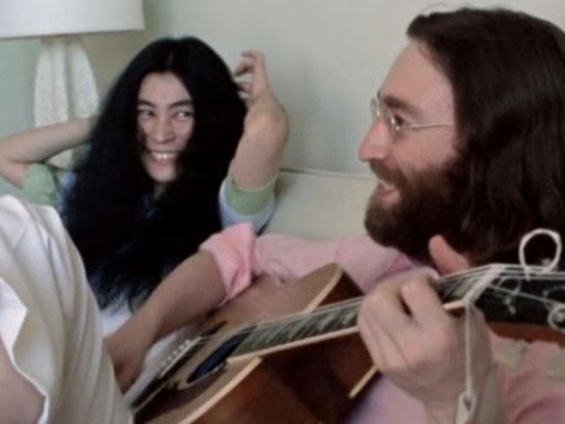 """Vídeo inédito de """"Give Peace a Chance"""", de John Lennon & Yoko Ono, chega ao YouTube; confira"""