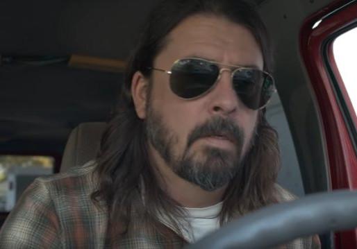Dave Grohl compartilha trailer de seu novo documentário; assista