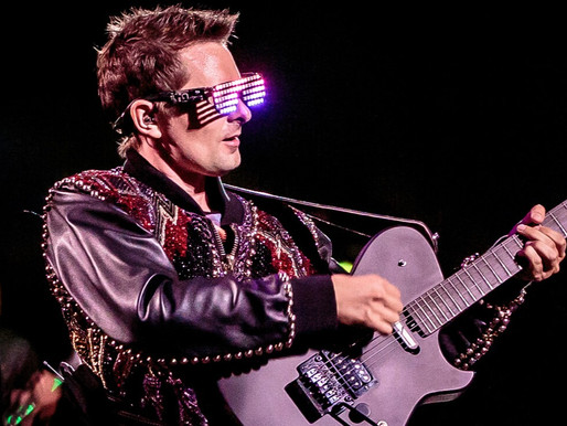 """Muse anuncia edição remixada do álbum """"Origin Of Symmetry""""; ouça a nova versão de """"Citizen Erased"""""""