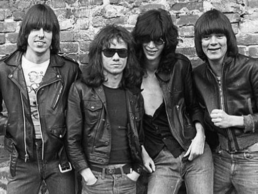 Há 45 anos, os Ramones lançavam seu primeiro álbum
