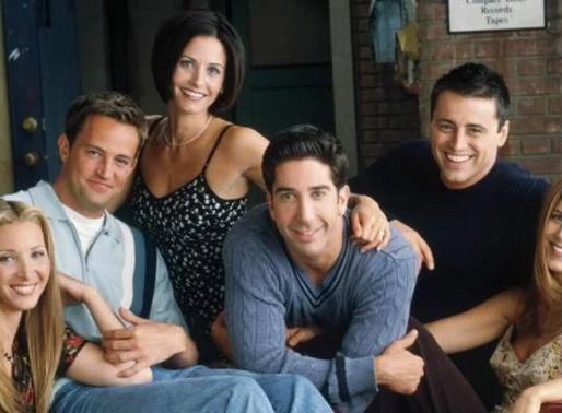 """Há 26 anos, """"Friends"""" estreava na TV,  acompanhada pela marcante música-tema """"I'll Be There For You"""""""