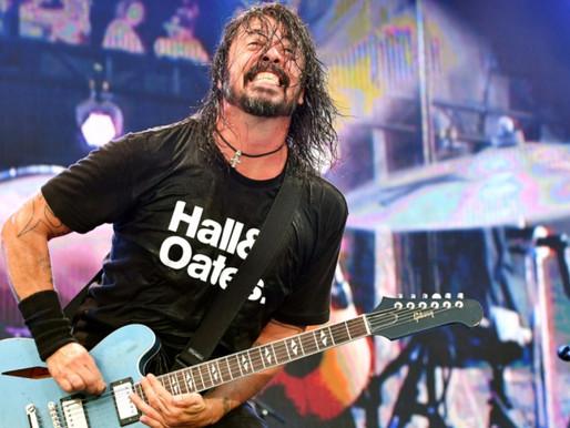 Foo Fighters faz versão de clássico de Chuck Berry; ouça