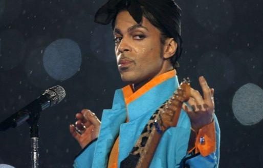 Show marcante de Prince será transmitido virtualmente hoje à noite