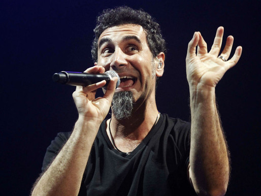 """Serj Tankian compartilha uma prévia da nova música, """"Elasticity"""""""