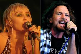"""Miley Cyrus faz versão acústica de """"Just Breathe"""", do Pearl Jam; assista"""