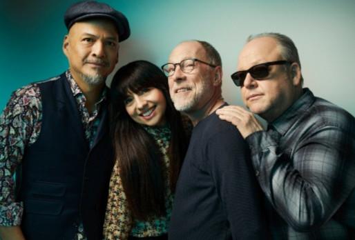 "Ouça o novo single do Pixies: ""Hear Me Out"""
