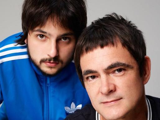 Samuel Rosa celebra novo canal no YouTube em live acústica com o filho