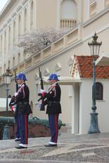 Vaktavlösning vid palatset klockan 12.00