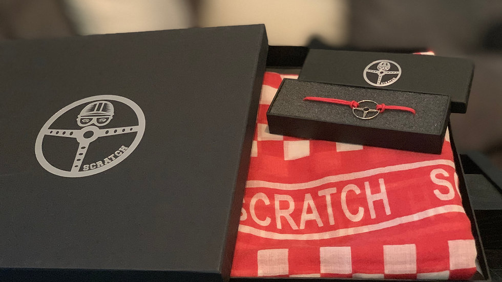 Gift box red scarf & bracelet