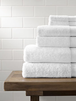 PDP-Bath-Towel-Set-LifestyleCrop-White-v