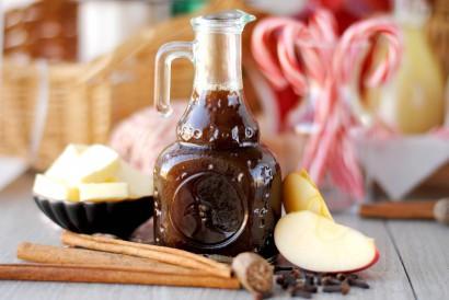 From Tasty Kitchen - Apple Pie Syrup DIY