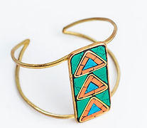 bracelet_mosaicarrow_multi2_1024x1024.jp