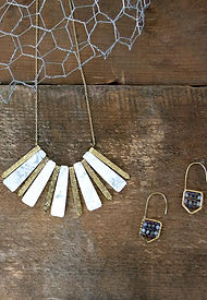 jewelry_ss18lifestyle_51_99d69ee0-0c70-4