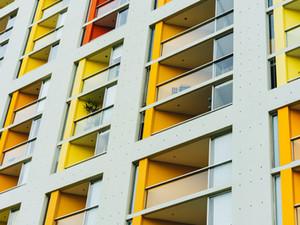 En los pisos turísticos, ¿prevalece el sí del ayuntamiento o el no de los vecinos?