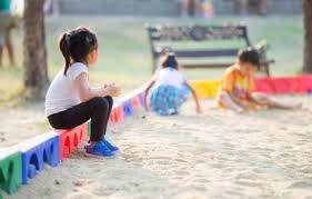 Karmaváltás, Fél év Karanténban három gyerekkel és az autizmussal