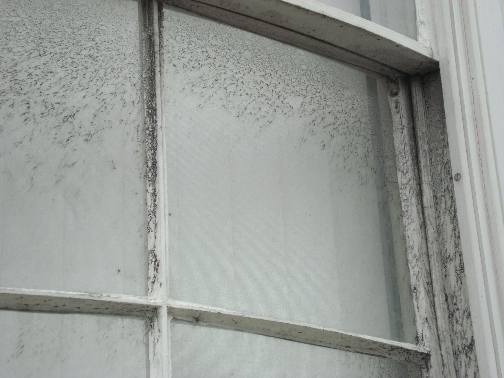 Responsive Tile Mural Air Pollution