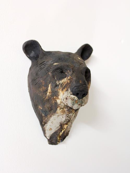 Bai, Asiatic Black Bear Head, Bleeding For Gold.