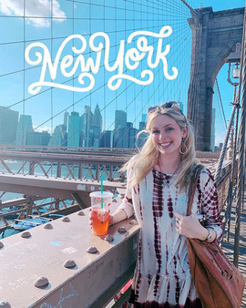 Catching up on posting pics from last week's NYC adventure!! You'll find me and @abbiehern_ advertising for Starbucks on the Brooklyn Bridge and some photos from our disposable cameras (w/ more in my highlight thingy!) And showcase went really well! So thanks for a great week, NYC ☀️